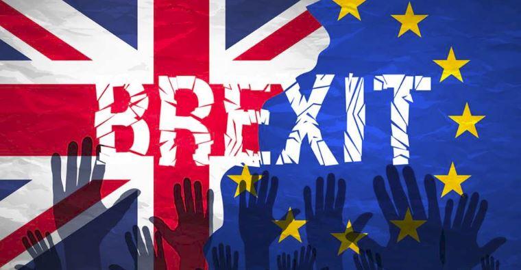 Brexit doppio passaporto per rimanere europei