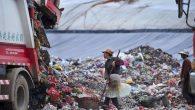 La posizione dominante che la Cina detiene nella produzione mondiale significa che per molti anni è stata anche il più grande importatore globale di materiali riciclabili. L'anno scorso i produttori cinesi hanno importato 7,3 milioni di tonnellate di plastica da paesi sviluppati, tra cui il Regno Unito, l'UE, gli Stati […]
