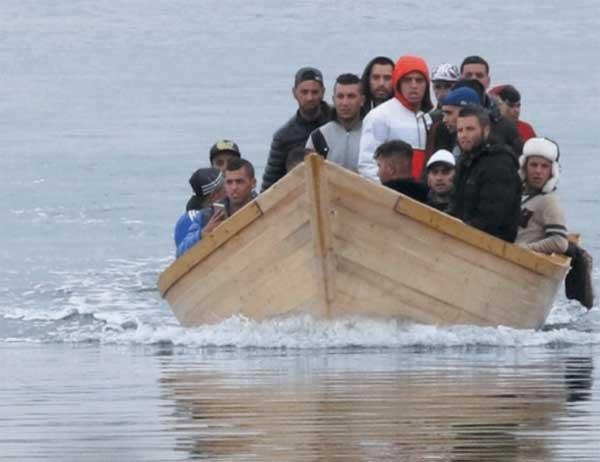 Migranti algerini approdo in Sardegna