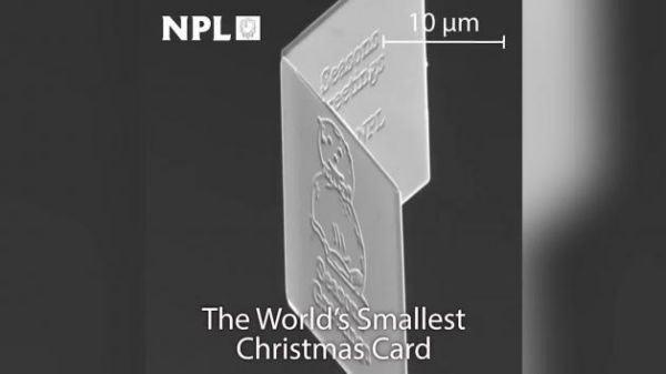 microscopica cartolina natalizia