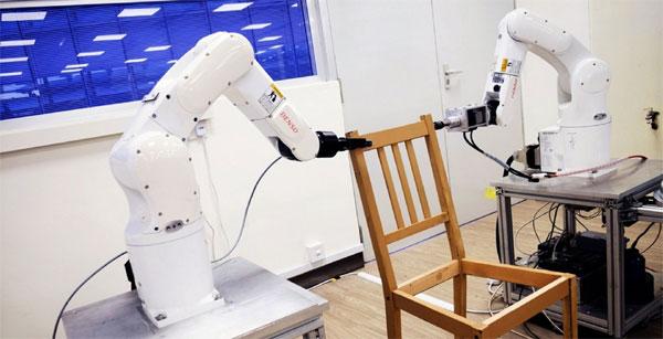 Robot assembla mobili Ikea