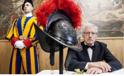 Nuovo elmetto guardie svizzere