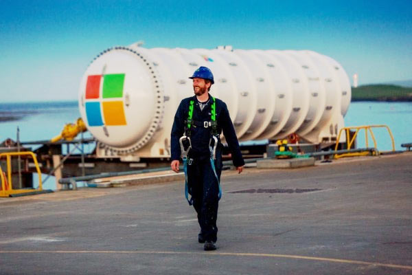 Project Natick Phase 2 data center Microsoft sommerso nell'oceano