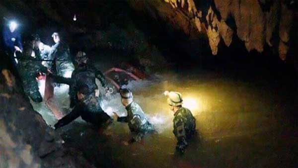 Sub in soccorso grotta thailandese