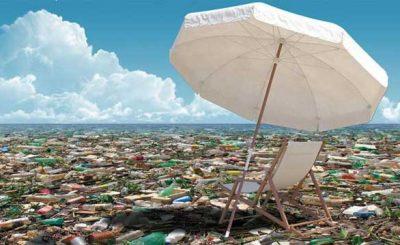 Oceano Pacifico rifiuti di plastica