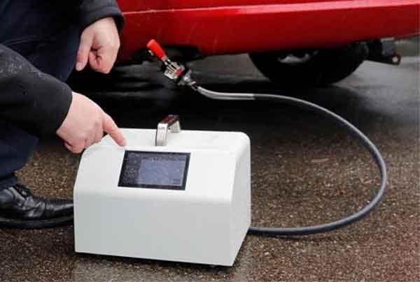 Dispositivo portatile test gas di scarico veicoli