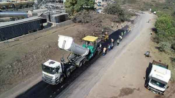 Sudafrica strade asfaltate con la plastica